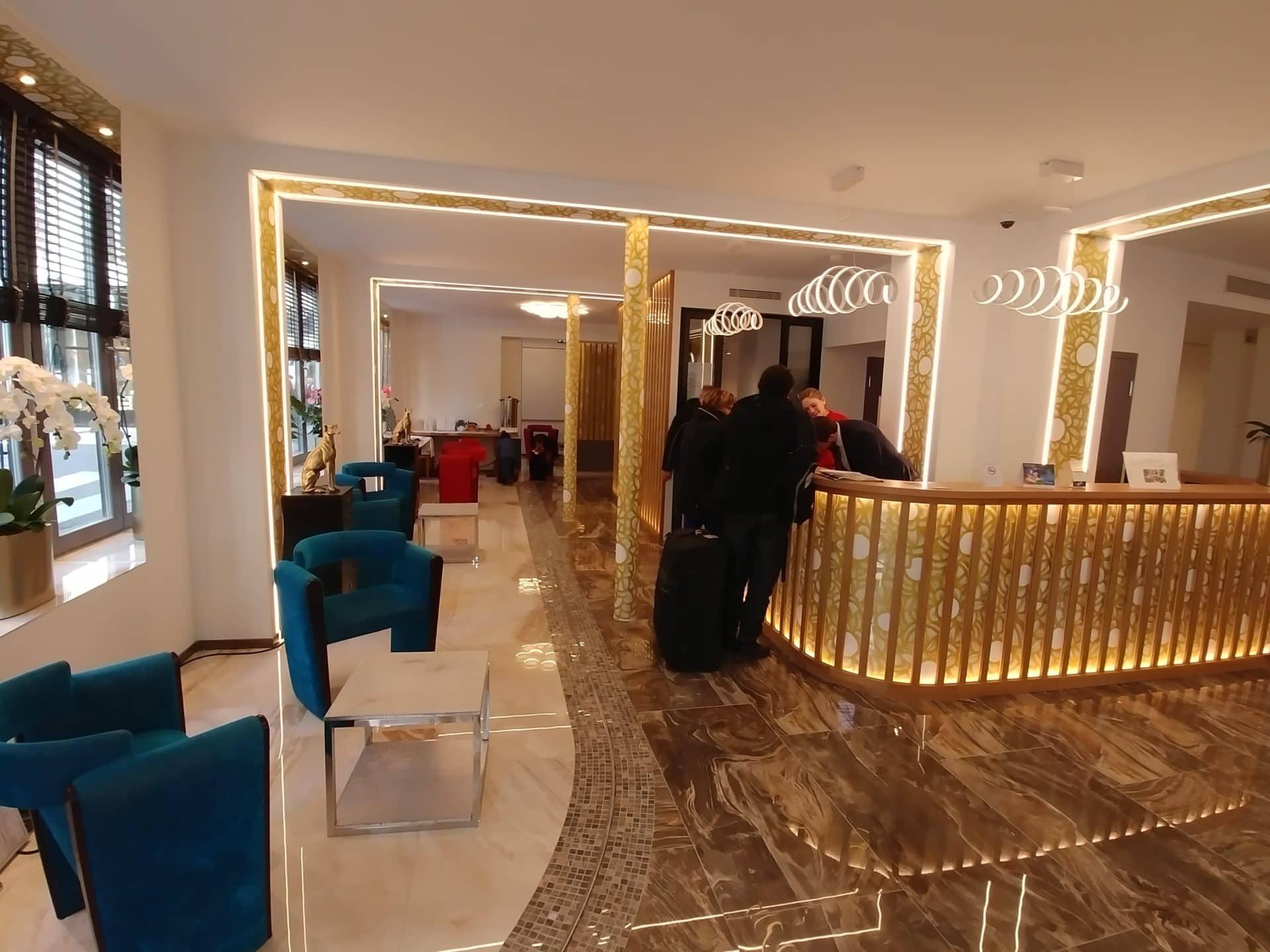 Lobby-Aida-Opera-3