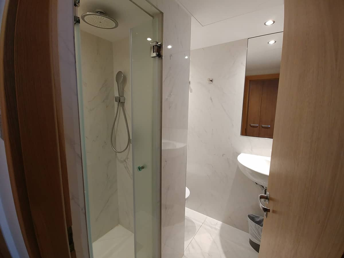 AO bathroom 2 HD